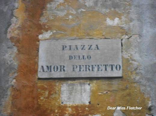 Piazza dell'Amor Perfetto (2)