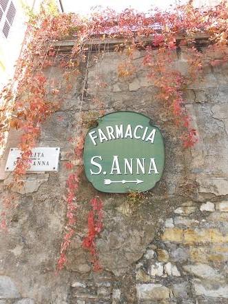 Antica Farmacia Sant'Anna, l'arte di curare con le erbe (1/6)