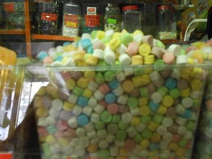 Confetteria Lucia, il paradiso delle caramelle (3/6)