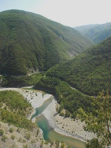 Sul trebbia seguendo il corso del fiume dear miss fletcher for Cabine sul bordo del fiume