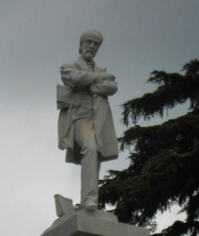 giuseppe mazzini Datos del autor giuseppe mazzini revolucionario y patriota italiano nació el 22 de junio de 1805 en génova cursa la carrera de derecho en génova.