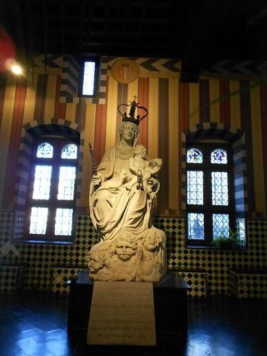 Madonna Regina di Genova