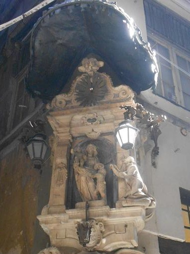 Edicola Vico del Filo (2)