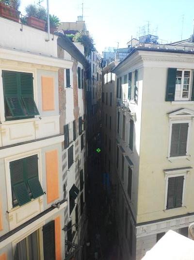 Via Fossatello (2)