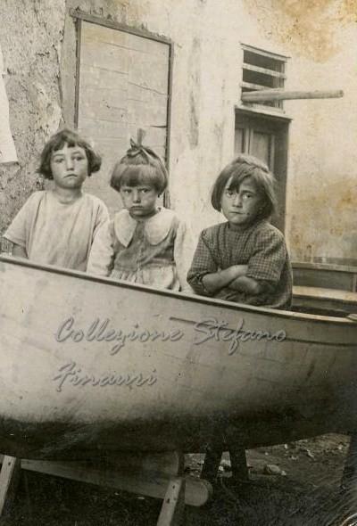 Molto I bambini vanno al mare, agli inizi del '900   Dear Miss Fletcher IE66