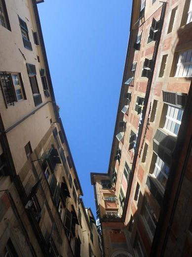 Piazza Pinelli (1)