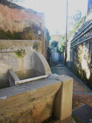 Lavatoio Via dei Colombo (4)