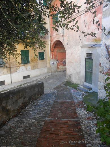 Piazza di San Bartolomeo dell'Olivella (2)