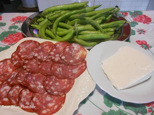Fave, salame di Sant'Olcese e sardo