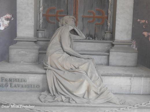 Tomba Lavarello (2)