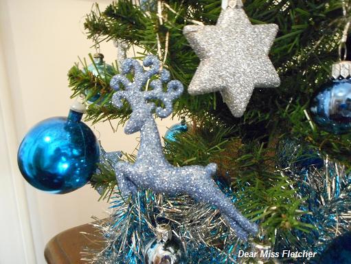 Albero Di Natale Con Decorazioni Blu : Il mio albero di natale e cose che piacciono a me dear miss fletcher