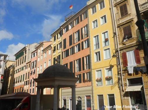 Piazza Sarzano (2)